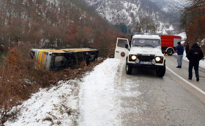Се преврте автобус, има загинати и повредени