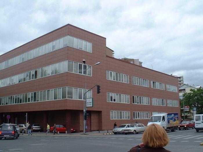 Детали за инцидентот во Градска болница: Познат идентитетот на лицето кое нападна обезбедување и полицајци