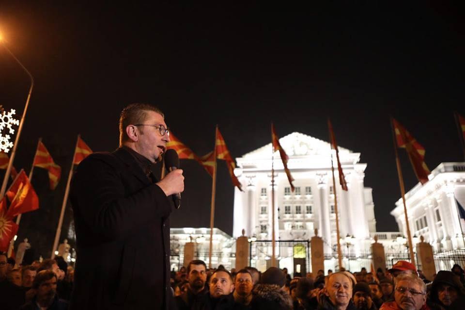 Мицкоски повторно го повика Заев на ТВ дуел: Пред Нова година тет-а-тет да зборуваме отворено