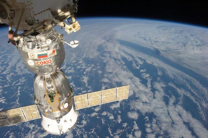 """Како била направена дупката на рускиот """"Soyuz"""" во Меѓународната вселенска станица?"""