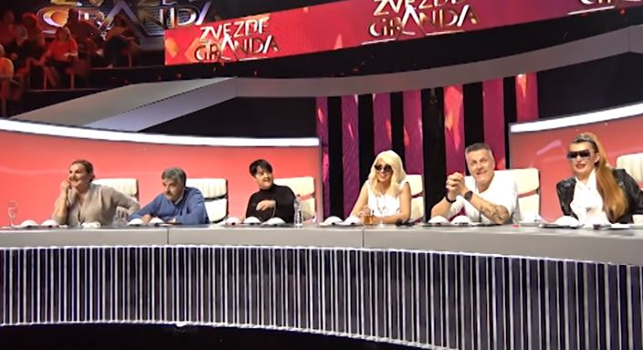 ВИДЕО: Марија Шерифовиќ ја плукна Карлеуша, Јелена полуде