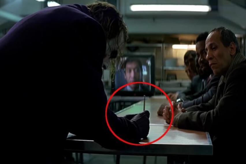 """Дали се сеќавате на """"трикот"""" на Џокер со пенкалото? Еве како го извеле без специјални ефекти!"""