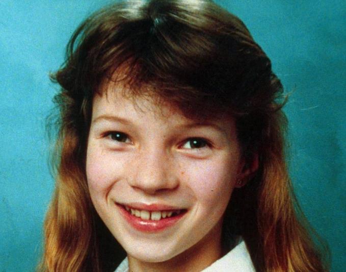 Десет познати кога биле деца: Никој не би ја познал девојката на фотографијава (ФОТО)