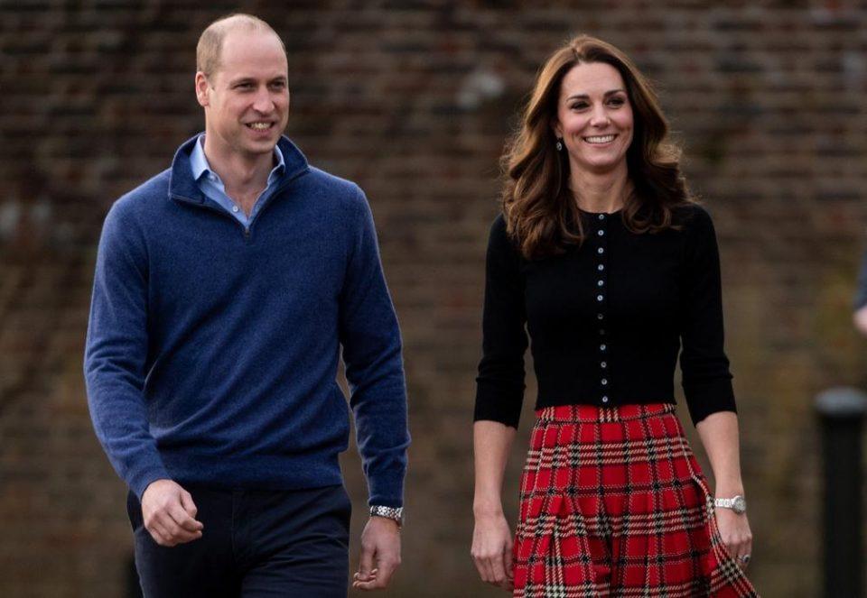 Принцот Луис го прославува 3-тиот роденден, Кејт и Вилијам објавија неговата фотографија