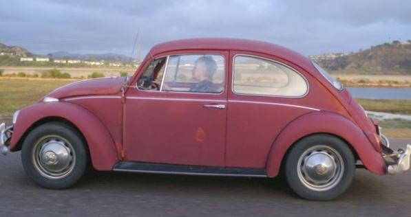 """ФОТО+ВИДЕО: Волксваген и ја реставрираше """"Бубата"""" која ја вози 52 години"""