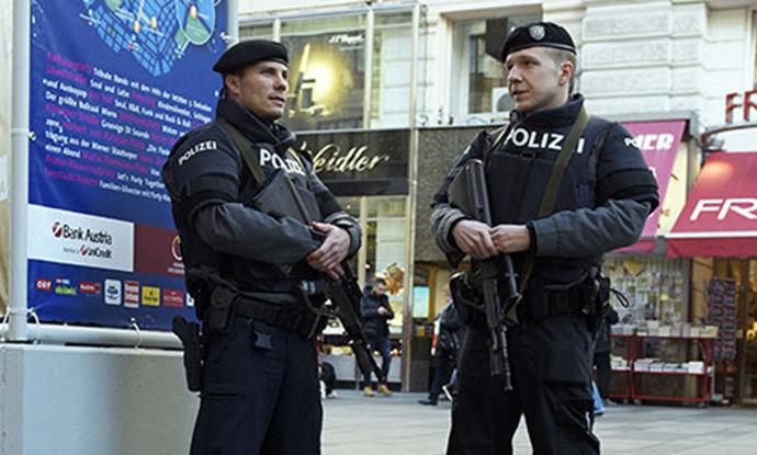 Пукање во Виена – еден мртов, еден повреден, напаѓачот побегна