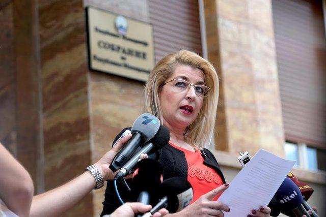 Ласоска до Заев: Македонскиот јазик не е странски јазик во Република Македонија