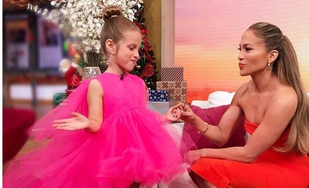 Убавица во портокалово: Џеј Ло блесна во Мајами