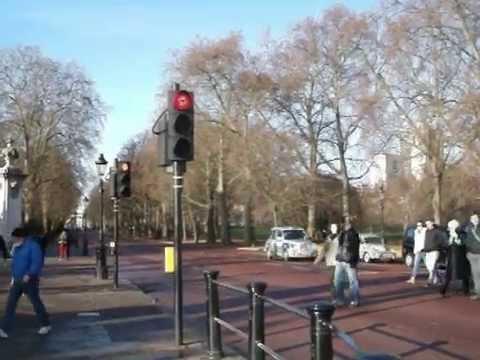 Лондон: Првиот семафор наполни 150 години