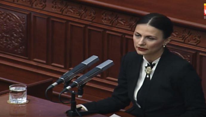 Манаскова до Заев: Со оваа ваша политика се обезвреднува фактот што еден народ пред 1945 одлучил да се нарекува македонски