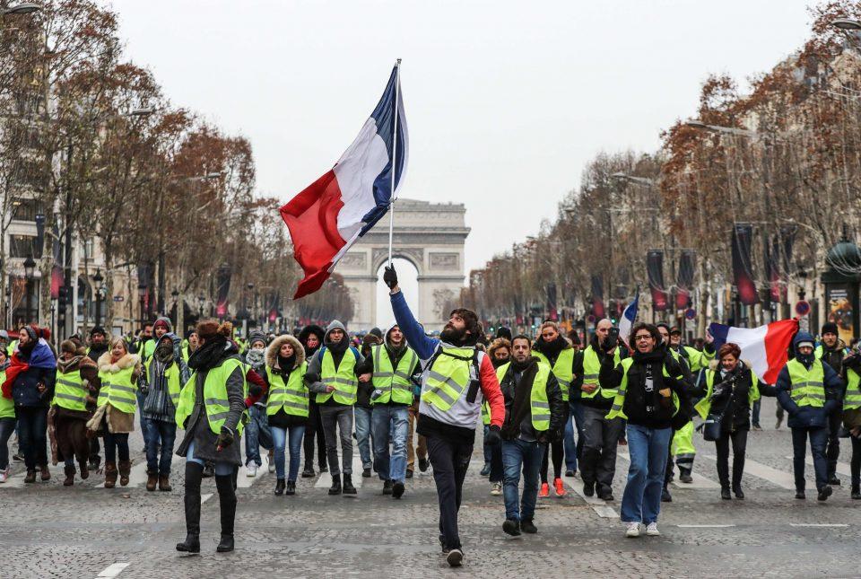 Француската Влада сака да му стави крај на урбаното насилство