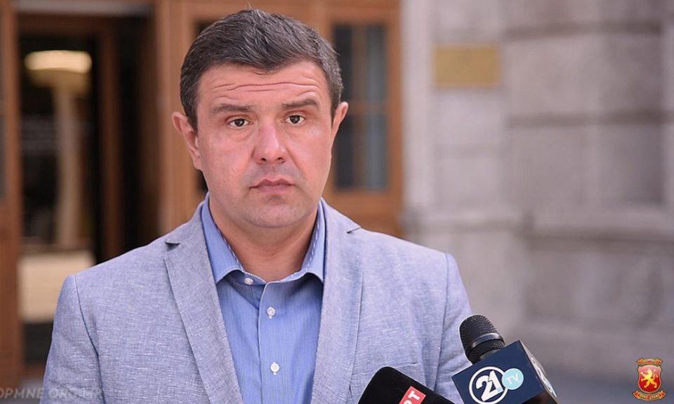 ФОТО: Партиските функционери на СДСМ фатени во лага, почнаа да ги бришат објавите на социјалните мрежи
