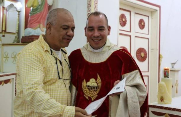 Шпанец 18 години лажел дека е свештеник, свадбите и крштевките сепак ќе бидат признати