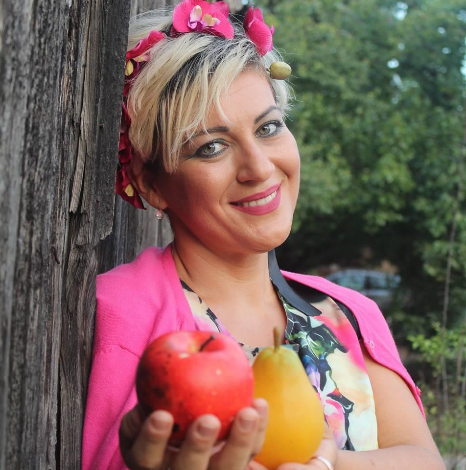 """Кабаре-концерт """"Јаболки и круши за уметнички души"""",Мијата понуди музика за сите сетила"""