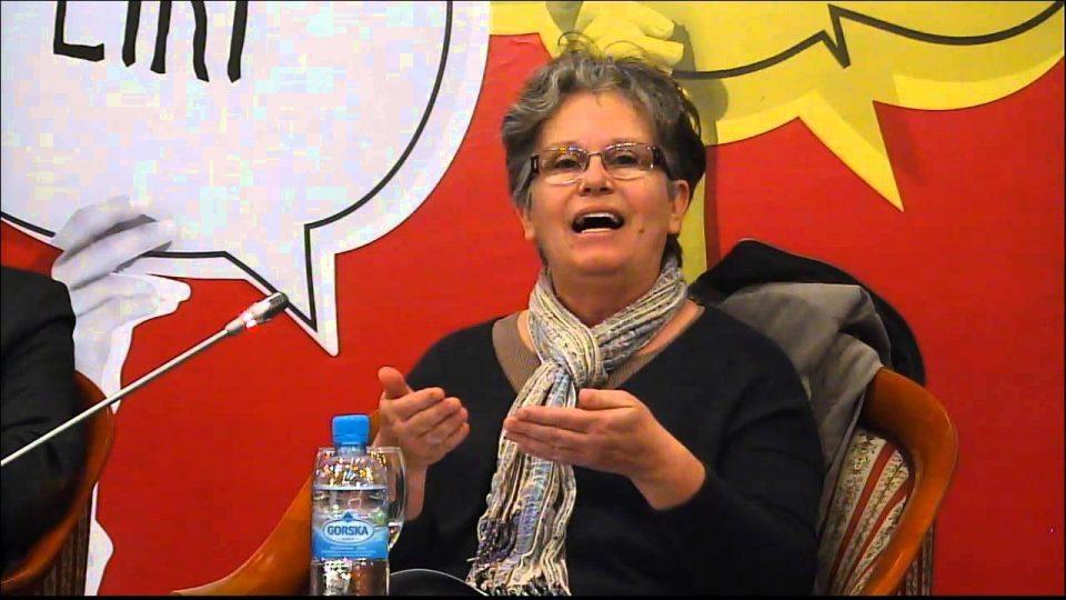 Најчевска: Пратениците да бидат амнестирани во моментот кога ќе гласаат за уставните промени и да поднесат оставка