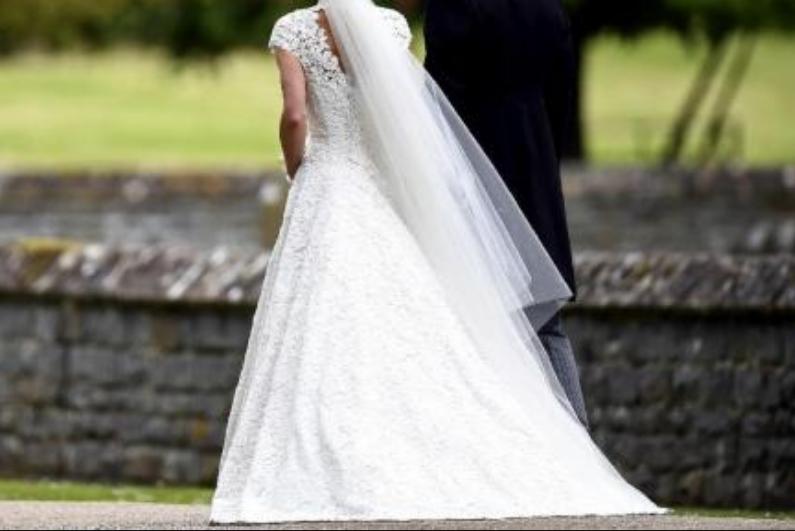 Бебето плачело, па невеста направи хаос на свадба