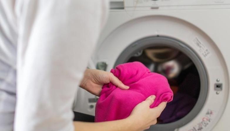 Правите голема грешка ако облеката ја перете на 30 степени: Дознајте зошто мора да престанете со тоа