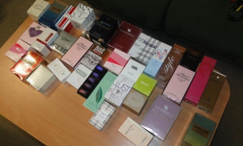 Македонци уапсени во Италија: Шверцувале фалсификат парфеми