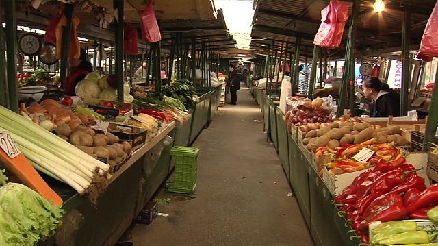 Стопанската комора бара да се одложи примената на новиот закон за зелени пазари