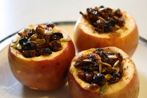 Печено јаболко – вкусен лек против болно грло