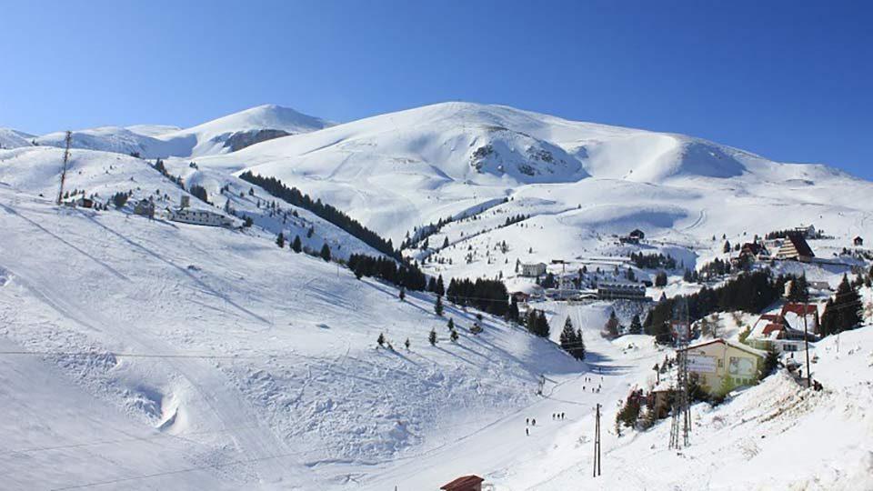 Најмногу снег на Попова Шапка, најстудено во Лазарополе