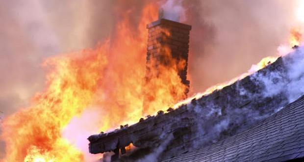 Детали за пожарот во Дебар Маало: Едниот чувал стража додека другиот ја палел кафеаната