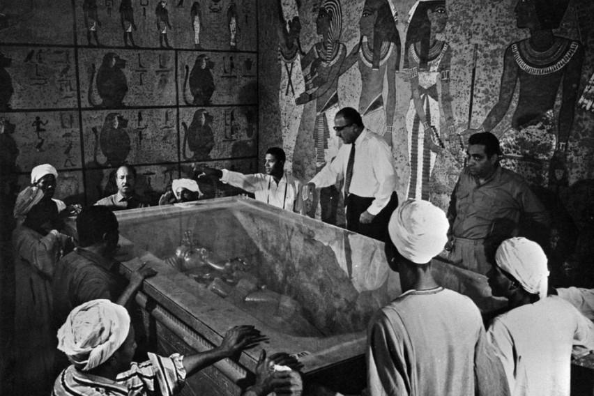 Неговата гробница сурово усмртила шест археолози: Проклетството на Тутанкамон и денес прогонува многумина (ВИДЕО)