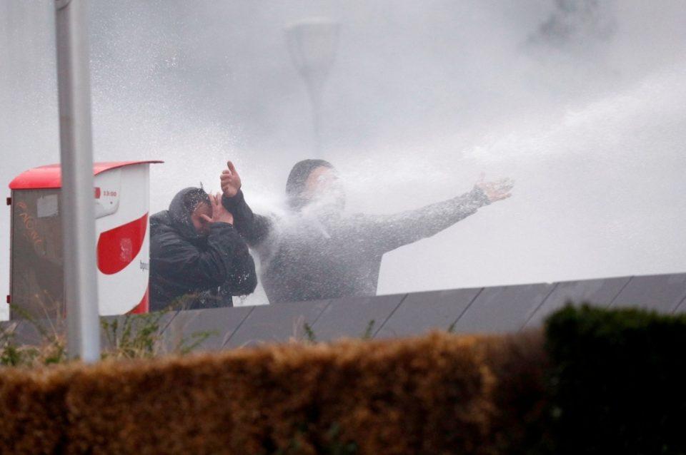 ВИДЕО: Судири меѓу полицијата и демонстрантите на протестот во Брисел