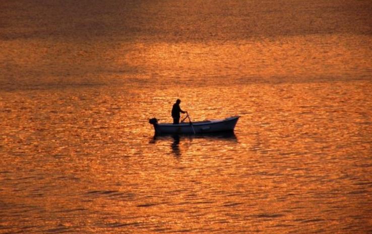 Спасени двајца рибари, три недели поминале на море