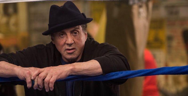 Нема да го препознаете славниот Роки: Еве како денес изгледа Силвестер Сталоне (ВИДЕО)
