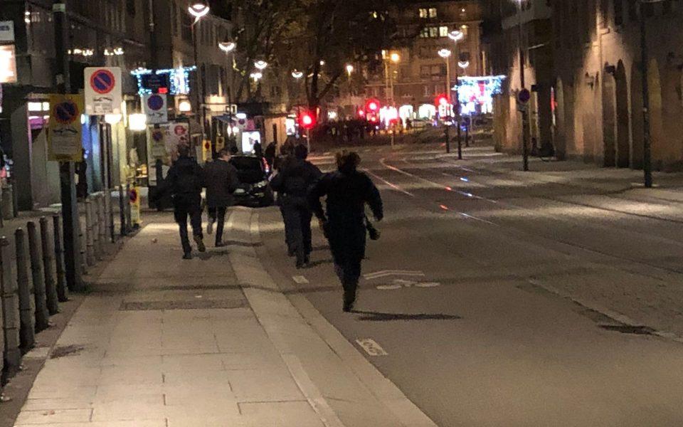 Полицијата бара жителите на Стразбур да останат дома, напаѓачот се уште е на слобода
