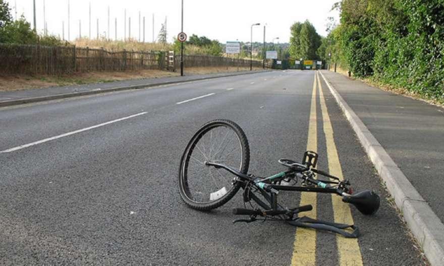 Велосипедист тешко повреден, паднал на регионален пат