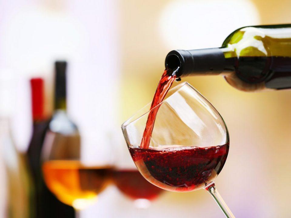 Одличен трик: Како најбрзо да се излади виното