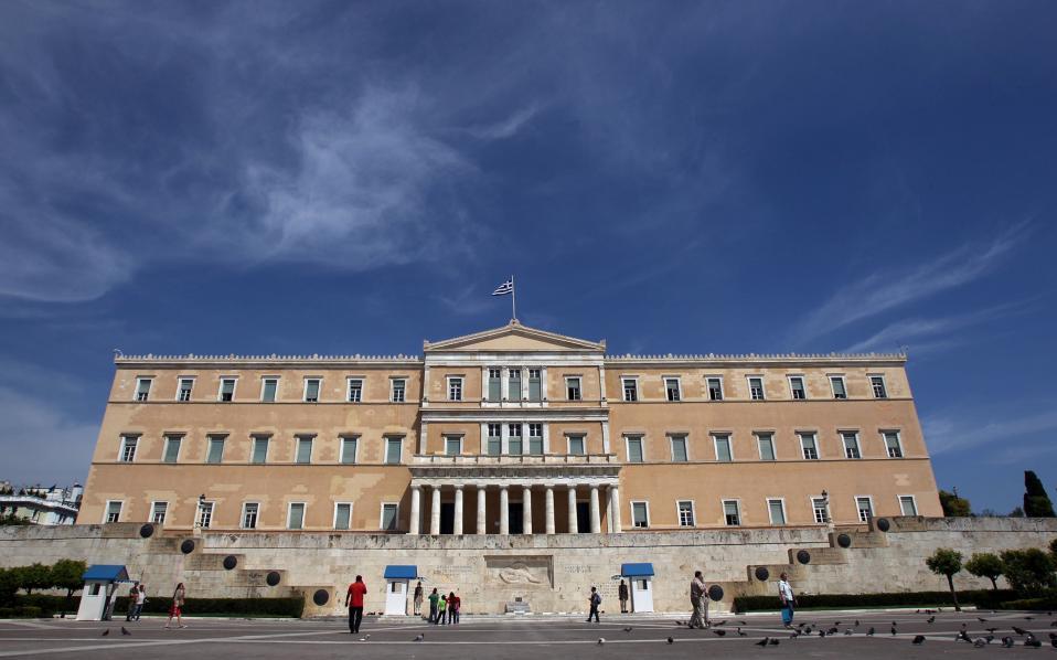 Грчката Влада со 115 милиони евра ќе ги поддржи авиопревозниците