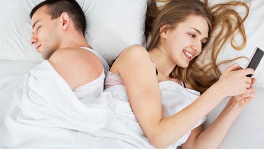 """Внимавајте кога избирате партнер: Овие хороскопски знаци изневеруваат без """"око да им трепне"""""""