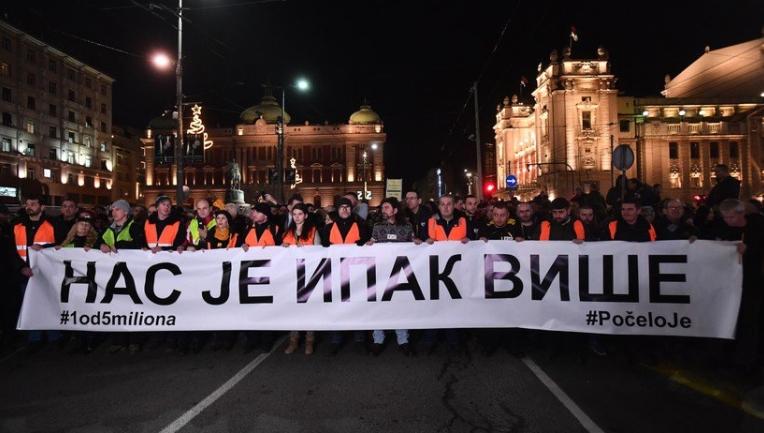 Масовен граѓански протест во Белград на годишнината од убиството на Оливер Ивановиќ