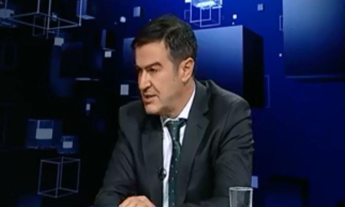 Пандов: Законот за двојазичност се повеќе ќе ги оддалечува Македонците и Албанците
