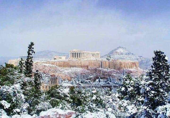 ВИДЕО: Снежно невреме ја погоди Грција, училиштата затворени