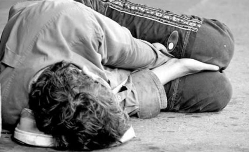 Тажна судбина на млад скопјанец: Премрзнат бездомник спасен на Токсикологија