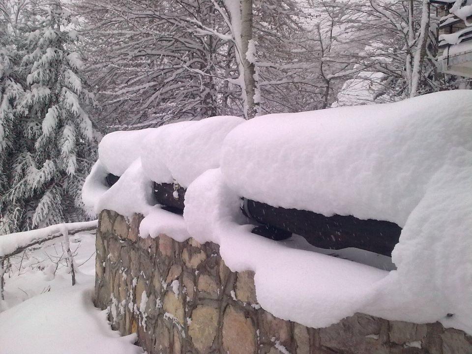 Поради снежни врнежи: Блокиран патот кон селата Бреза, Малино и Танушевци