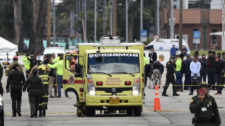 Бомбашки напад во Колумбија, најмалку 10 лица го загубија животот