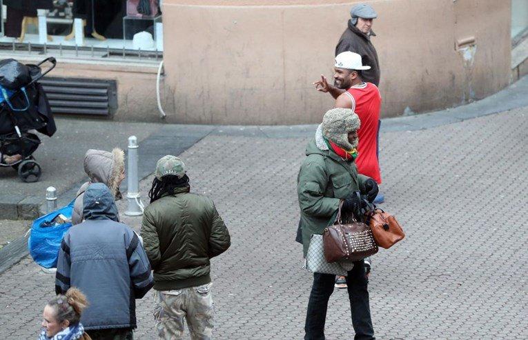 Бразилец прошета низ Загреб, поради тоа што го носеше на себе сите зјапаа во него (ФОТО)