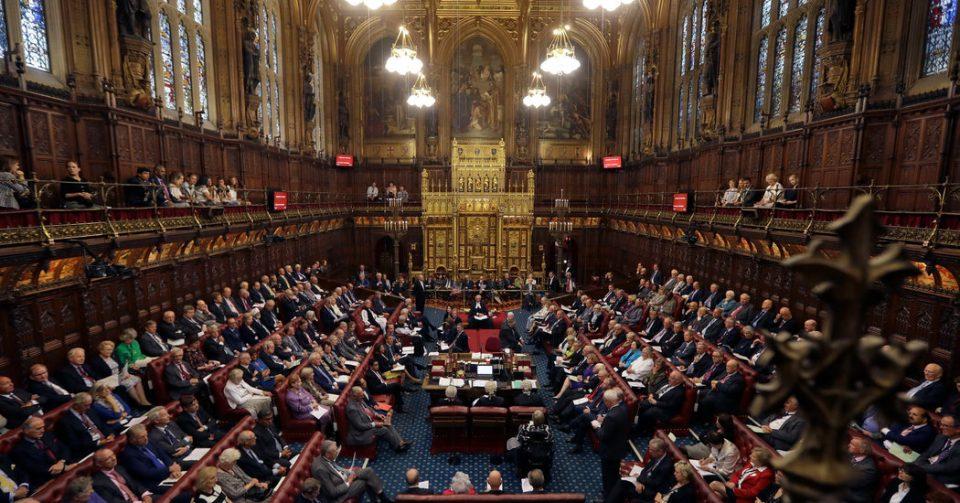 """На 29 јануари британскиот Парламент ќе гласа за """"планот Б"""" за Брегзит"""