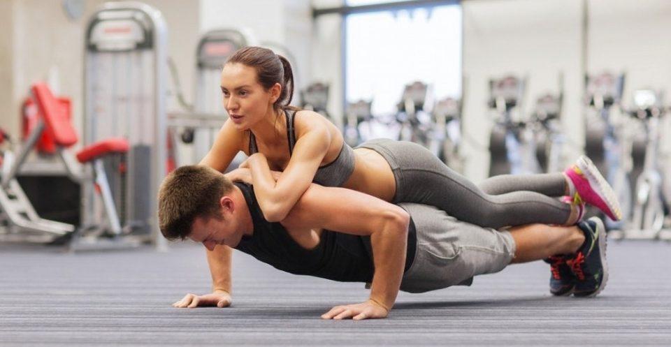 Тренинг во пар: Вежби за двајца без опрема