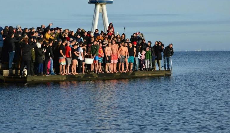 Македонците во Данска за прв пат го одбележаа празникот Водици (ФОТО+ВИДЕО)