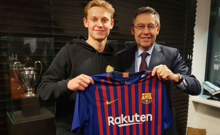 Официјално: Де Јонг потпиша со Барселона