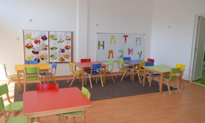 Филипче: Есента ќе биде многу ризичен период, рано е да се размислува за отворање на градинките и училиштата