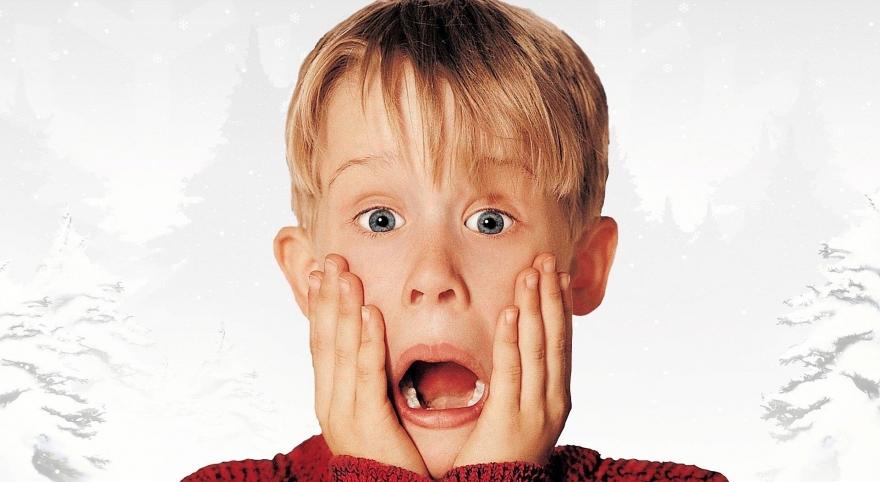 Хороскопот советува: Кој е совршениот филм за вас за божиќните празници?