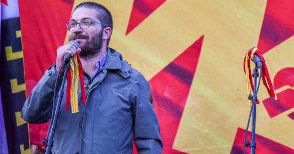 """Нападнат Дурловски: Ова е обид за заплашување кон мене и атак против слободата на мојот избор да го бранам """"македонското"""" (ФОТО)"""