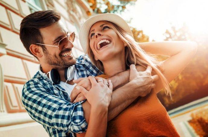 Три главни причини зошто изневеруваат луѓето кои се во среќни врски